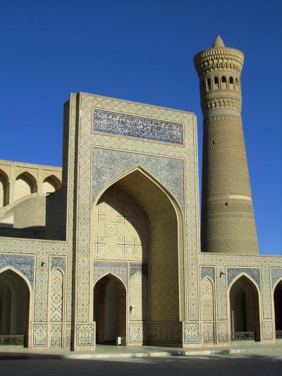 2011年秋ウズベキスタン旅行第3日目(3)ブハラ:有料なだけあって見応えバツグンのカラーン・モスクとその周辺