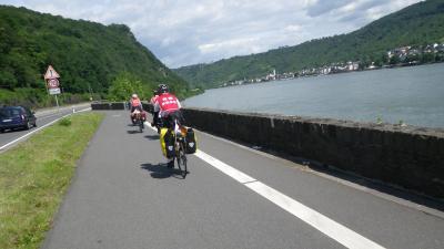 ライン川を自転車で下る