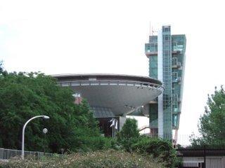 知人を訪ねて大阪へ