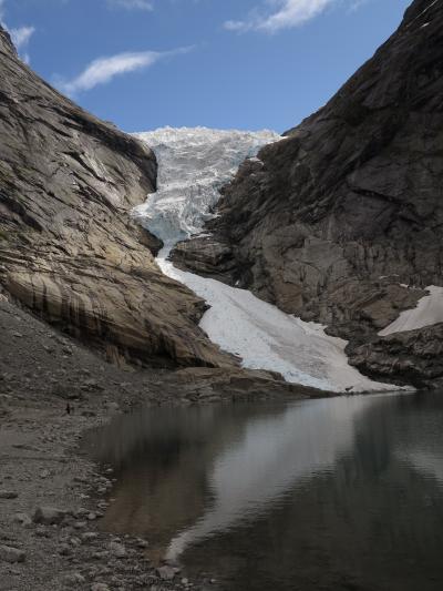 北欧GR39 NOR17 ブリクスダール氷河湖の畔で  ☆快晴に聳える山岳氷河