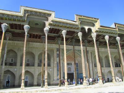 2011年秋ウズベキスタン旅行第4日目(1)ブハラ:旧市街を出てもいい雰囲気のブハラの町~レギスタン広場の向こうのバラハウズ・モスクまで