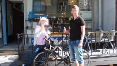 自転車青年がかもめ食堂には似合う