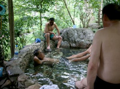 タイ病も 露天風呂で益々悪化、「なんとか せェ~」