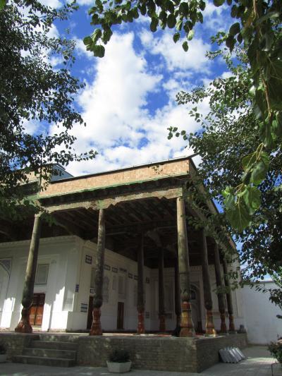 2011年秋ウズベキスタン旅行第5日目(1)サマルカンド:プロローグ~かの有名なレギスタン広場に向かう前に、ホテルの近くのコシュハウズ・モスクを見学