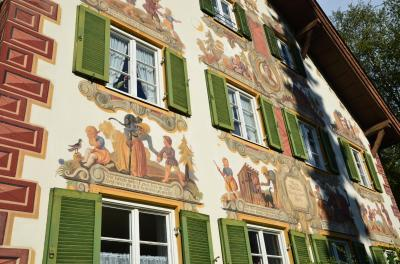 ドイツ・アルプス 山と湖を巡る旅(1)~壁画に彩られた美しい村 オーバーアマガウ