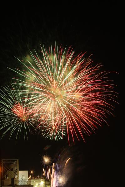 2012年 7月  友人と越谷花火大会を楽しむ~~不思議な空の出現と花火撮影に初挑戦 (1)