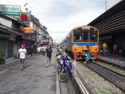 どっぷりチェンマイ 1-2 タクシーン橋 ~ ウォンウィエンヤイの市場&鉄道駅