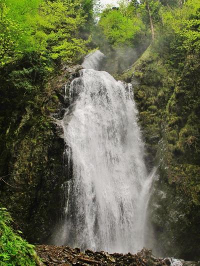 秋田/春11 回顧ノ滝、抱返り渓谷の奥 轟々と ☆抱返神社に参拝し