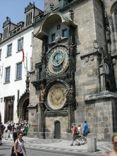 プラハの美しい町、中世ヨーロッパをのんびりリーズナブルに旅できます。