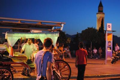 トルコで夏休み④-2 アンタルヤ夜の街歩き 2012年8月