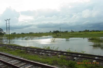 モーラミャインからヤンゴンへ 鉄道の旅