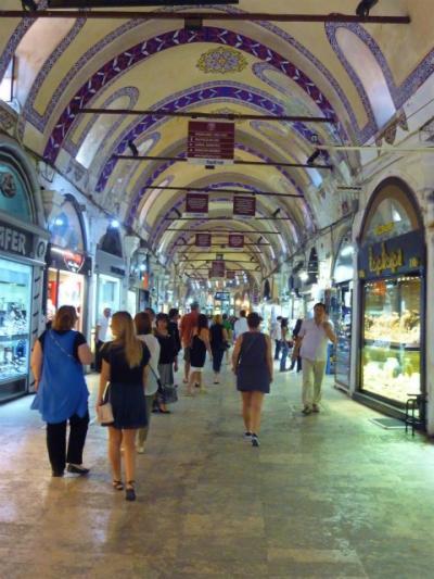 イスタンブール観光2日目。先ずはグランドバザール(カパル・チャルシュ)へ!