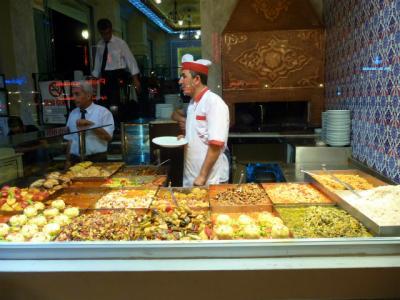 イスタンブール最後の晩の夕食はトルコ料理を食べすぎ!