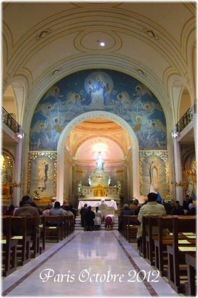 パリのお散歩 モンパルナス - 奇跡のメダイ教会 - ラスパイユのビオマルシェ Balade dans le Montparnasse