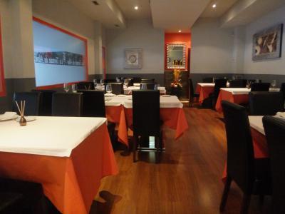 2012EU旅行・スペイン編NO7 : スペインでいちばん新しい町のレストランでMILFLORESさんとオフ会