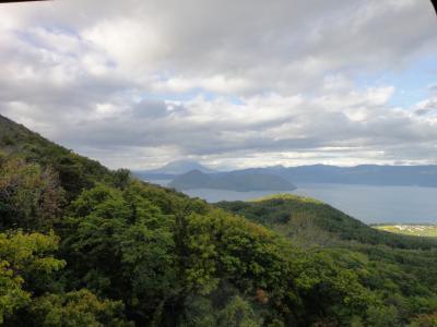 札幌から定期観光バスで支笏湖・洞爺湖へ