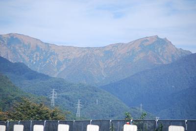 関越自動車道からの谷川岳展望