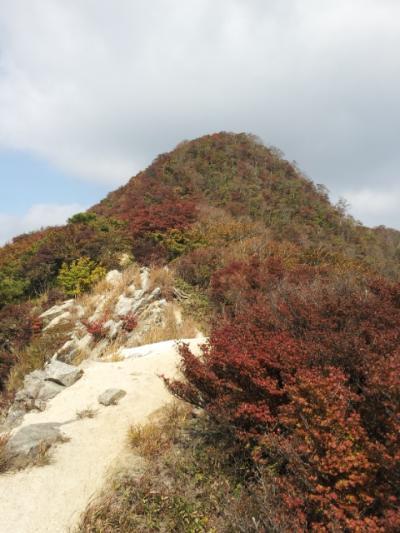 紅葉はじめの釈迦が岳山歩き