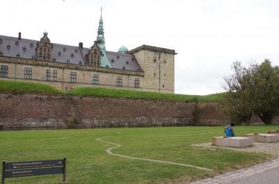 -17- デザイン満喫!デンマーク刺繍など手仕事にふれる北欧10日間 =世界遺産の旅 クロンボー城へ 1=