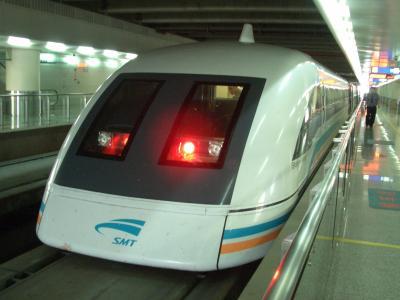 ②中国上海、乗り継ぎの1泊・リニアモーターカーに乗り・ホリデイイン(Holiday Inn Shanghai Putuo)泊りました。