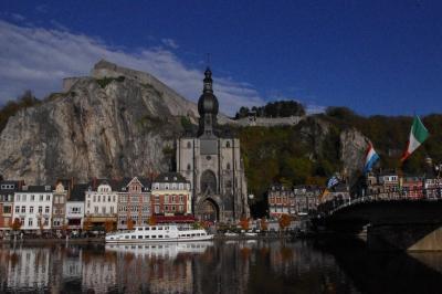 秋のベルギー散歩 4日目その3 アルデンヌの断崖に城砦が聳える町ディナン