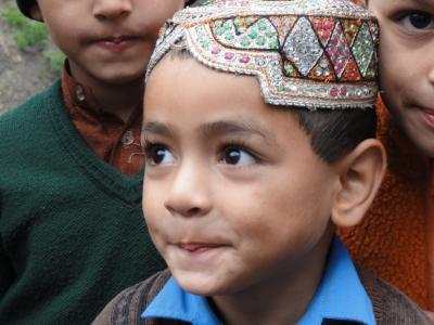 パキスタン アッタバードからカリマバードまで(神々しいフンザの山々・風景・村人たち)