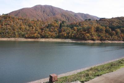 [2012年11月] 桂湖、奥飛騨の山の紅葉に間に合いました
