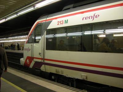 バルセロナ 空港から街への移動方法