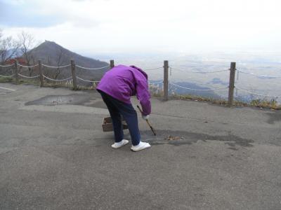 弥彦山は「冬支度中」