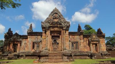 週末旅行 タイ東北部のクメール遺跡を尋ねて その4 コラート(ナコーンラーチャシーマー)からブリラム ムアンタム遺跡 Prasat Muang Tam。遺跡のパンフレットに則して。