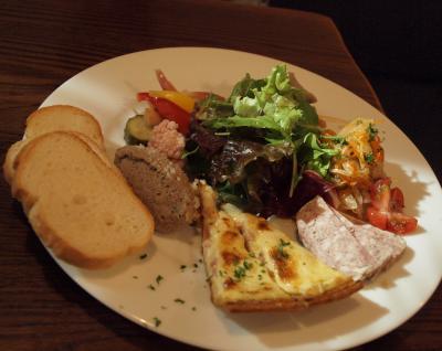 箱根翡翠の3人用喫煙デラックスルームと紅葉 ル・ヴィルギュルさんでの美味しいディナー 2012年11月
