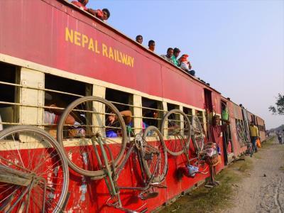 India鉄道で行く祭りと定期市(11)  ネパール鉄道のインド側