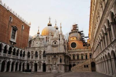 イタリア4都市周遊と華の都パリ ベネチア編