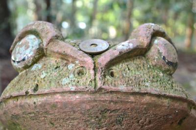 「鶴石」伝承の北向き社殿「伊和神社」