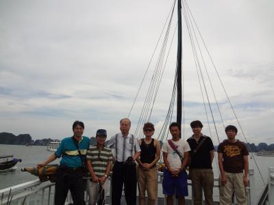 ハロン湾日帰り旅行