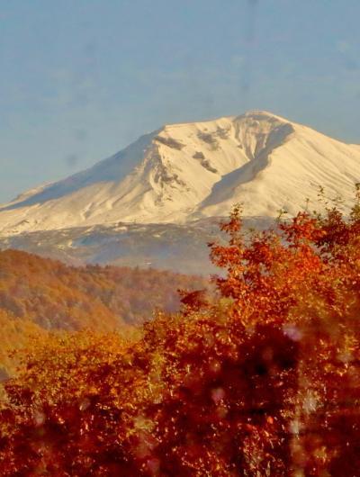 上川16 天人峡から新千歳への帰途バスで ☆紅葉の山々を後にして