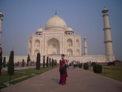 アグラ(Agra) ~サリーを着て、タージ・マハル(Taj Mahal)、アグラ城(Agra Fort)へ~