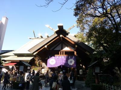 若い女性が列をなすといううわさの東京大神宮に出かけて見ました
