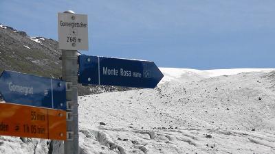 スイス・ハイキング2010年0707(ローテンボーデン~ゴルナー氷河の入り口の往復 マッターホルングレイシャーパラダイスのアイスパレスを見学)