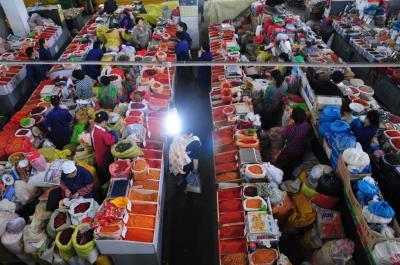朝鮮国境探訪8★延吉★活気あふれる市場を行く@西市場