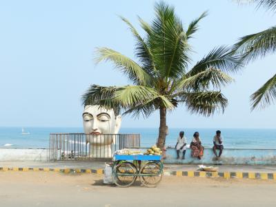 インド人と触れ合うバイザック1泊2日の旅2(ローカルバスで地元ビーチ散策編)