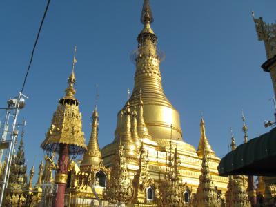ピィ ミャンマー三大仏塔、シェエサンドー・パヤーとタイエーキッタヤー遺跡等