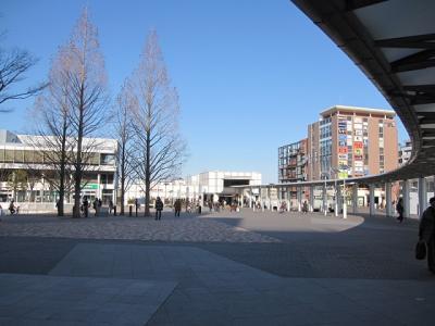 横浜市営地下鉄「センター南駅」周辺と「都筑中央公園」