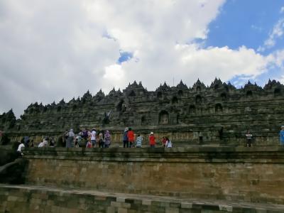 正月休みは初の南半球インドネシアへ世界遺産を見に行く ③ボロブドゥール寺院と迫り来るスコール
