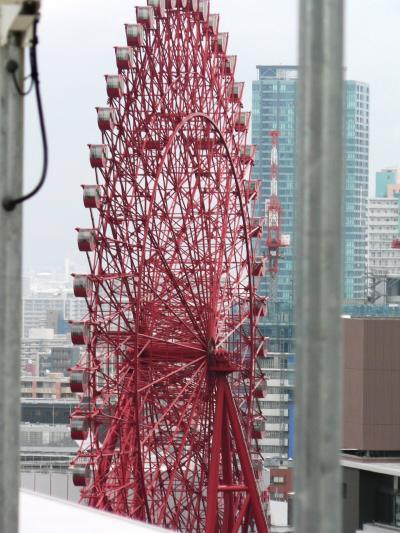 日本の旅 関西を歩く 大阪市、HEP FIVEの観覧車、阪急百貨店梅田本店周辺