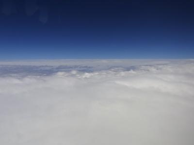 空は限りなく広い そして747-400は本当に機内が静かでした。現在の777よりも!!