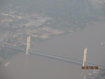 ビルマ・マンダレー特急旅行(67)ヤンゴンからの飛行機で。