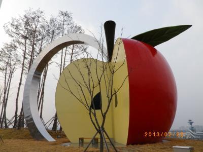 【慶尚南道・居昌】黄山古家マウル / 肉屋さんのトッカルビ / りんごテーマパーク
