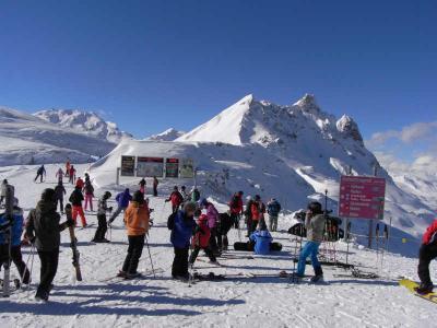 スイス スキー旅行   その⑥  ダボス滞在  残念ながらセガンティーニ美術館には行かず・・・・・・。