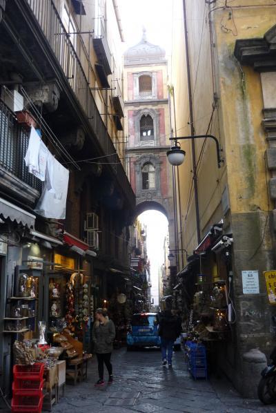 はじめての南イタリア!ナポリ一日目は、さっそく予定変更して街歩き。